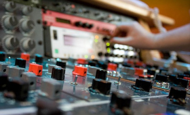 new-old-top_mastering_studios5__1428355011_24.37.204.38